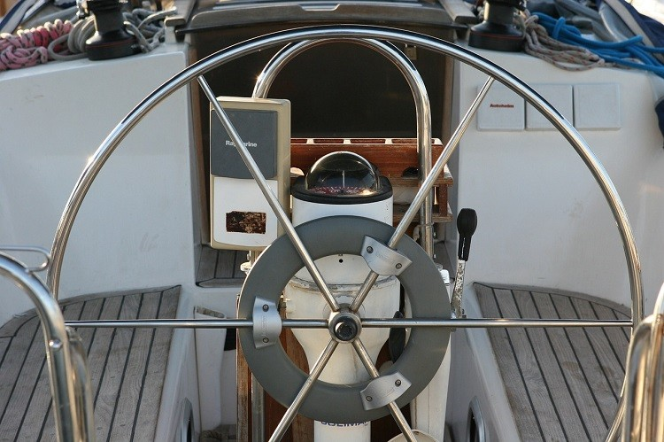 Wypożyczenie łodzi motorowych na Bałtyku w Zatoce Gdańskiej